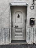Vida preto e branco da porta da rua ainda Imagem de Stock