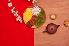 Vida puesta plano conceptual de la comida china y de la bebida del Año Nuevo aún Fotos de archivo libres de regalías