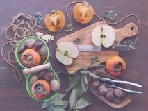Vida rústica de la fruta del otoño aún Fotografía de archivo libre de regalías