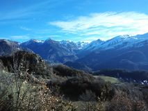 Vida rural do campo de Pyrenees da montanha da natureza Fotografia de Stock Royalty Free