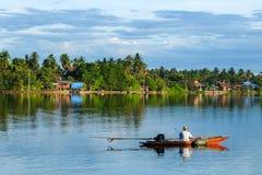 Vida tailandesa do beira-rio Imagens de Stock Royalty Free