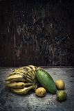 Vida todavía de la fruta tropical Imágenes de archivo libres de regalías