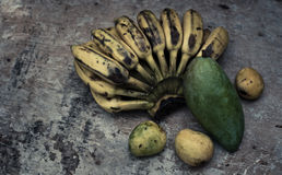 Vida todavía de la fruta tropical Fotos de archivo
