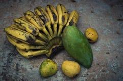 Vida todavía de la fruta tropical Foto de archivo