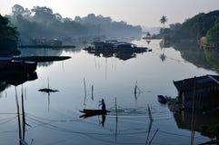 Vida y un río Imagenes de archivo