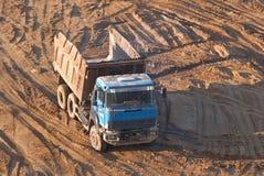Vidage mémoire-camion. Photo libre de droits
