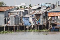 Vidas en la cabaña de la gente pobre Vietnam Foto de archivo libre de regalías