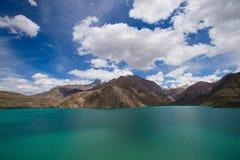 Vidd av sjön Iskander-Kul tajikistan arkivbilder