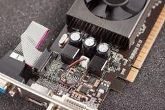 Video adattatore della carta grafica del computer vicino di visualizzazione Fotografia Stock