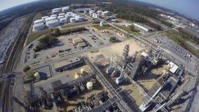 Video aereo del fuco della raffineria di petrolio archivi video