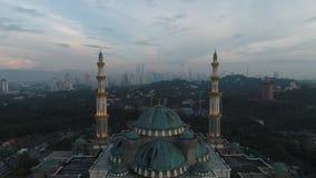 Video aereo della moschea del territorio federale video d archivio