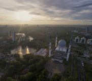 Video aereo della moschea di Sultan Salahuddin Abdul Aziz Shah Fotografia Stock