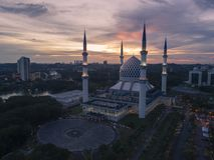 Video aereo della moschea di Sultan Salahuddin Abdul Aziz Shah Immagine Stock Libera da Diritti