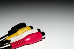 Video-Audioverbindungsstecker auf weißem Hintergrund stockfoto