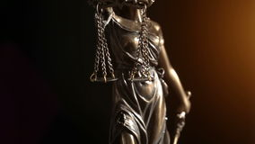 Video colpo di signora Justice Statue stock footage