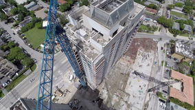 Video dell'antenna della gru della costruzione di edifici video d archivio