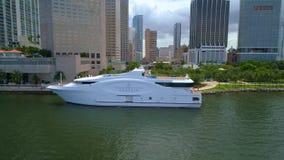 Video dell'antenna di Seafair Downtwon Miami stock footage
