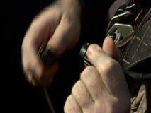 Video della riparazione della cinghia nella cabina piana video d archivio