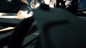 Video des Aluminiumbauschweißverfahrens stock footage