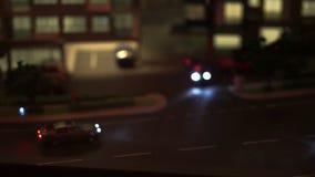 Video des Leben in der Stadt-Modells, -verkehrs und -lebens herein in der Stadt Auto und Kondominium stock video