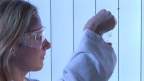 Video di riserva di un biochimico stock footage