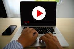 VIDEO die Audiovideo, markt Interactieve kanalen, Bedrijfsmedia Technologieinnovatie Marketing technologieconcept OP DE MARKT BRE stock fotografie