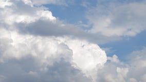 Video för molnig himmel för Tid schackningsperiod lager videofilmer