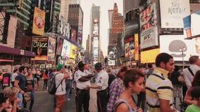Video för Tid schackningsperiod av Time Square i NYC arkivfilmer