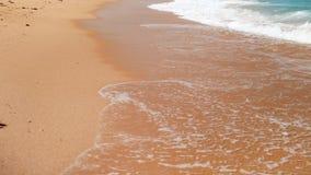 video för ultrarapid 4k av vågor på kusten för nthe för nolla för havstrand den rullande lager videofilmer
