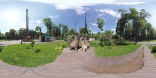 Video 360 Giraffenfamilie im ukrainischen Park stock video