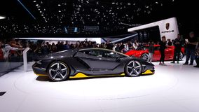 Video 4k eines Supercar Lamborghinis Centenario an Geneve-autoshow 2016 stock video footage