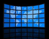 Video muur van de vlakke TVschermen met wereldkaart Stock Foto