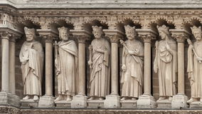 Video panorama of statues of Jewish kings on Notre Dame de Paris stock video