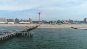 Video pilastro aereo di Coney Island Brooklyn NY archivi video
