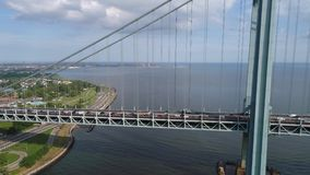 Video ponte New York di Verrazano del fuco aereo stock footage