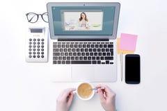 Video pratstund på kontoret fotografering för bildbyråer