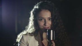 Video produktion musikgemet för de unga musikstjärnorna långsam rörelse lager videofilmer
