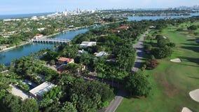 Video proprietà indiane aeree di Miami Beach dell'insenatura stock footage