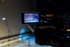 Video skytte av händelsen Camcorder med LCD-skärm royaltyfria foton