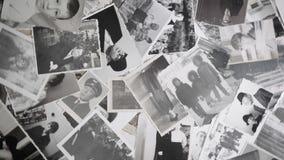 Video van roterende portretten op retro achtergrond stock videobeelden