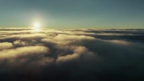 Videoaufnahmen des Himmels und des Sonnenaufgangs stock footage