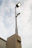 Videocamera dell'alberino di elettricità e sul sentiero per pedoni Immagine Stock Libera da Diritti