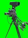 Videocamera della televisione della TV isolata su verde Fotografia Stock Libera da Diritti