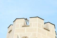 Videocamera di sicurezza sul castello Immagine Stock