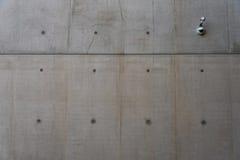 Videocamera di sicurezza sulla parete Fotografie Stock Libere da Diritti