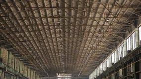 Videoclip do território da fábrica do russo O plano geral da loja do torno video estoque