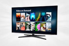 Videoen på - begära VOD service på smart TV Royaltyfri Bild