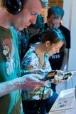 Videogamers y Nintendo 3ds Fotos de archivo libres de regalías