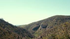 Videografia di avventura della montagna stock footage