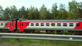 Videografie van de trein en de trein in beweging stock footage